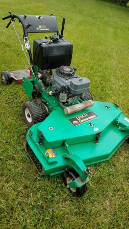 Photo Lesco 48quot Walk Behind Zero Turn Mower with Sulky - $1,200 (GREENFIELD)