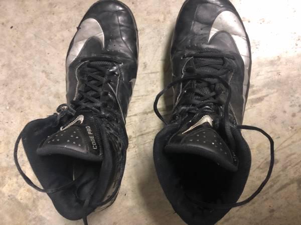 Photo Nike Football Cleats-size 14 - $25 (Albany)