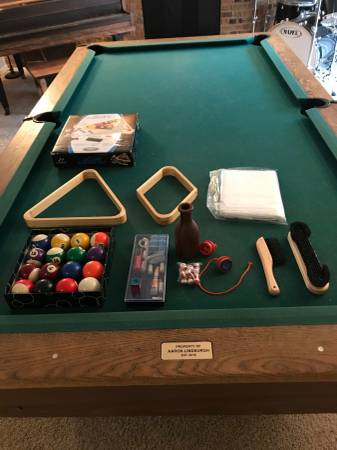 Photo Old School Ball State Pool Table - $200 (Muncie)
