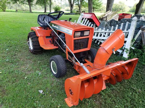 Photo VERY NICE Simplicity Sovereign, 18hp, snow blower P. St., Hydro - $2299 (MuncieAlbany, IN)