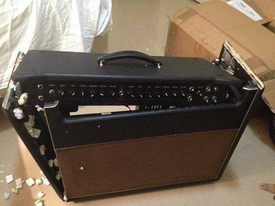 Photo Wanting to buy broken Guitar s - $11,111 (Harlan)