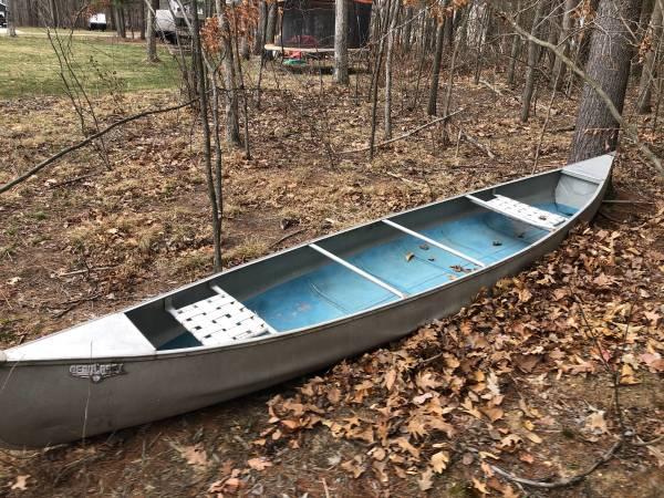 Photo 1739 Aluminum Canoe for sale - $400 (Greenville)