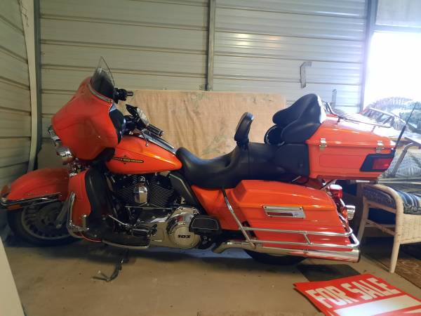 Photo 2012 Harley Davidson Ultra Classic - $12,000 (Barryton)