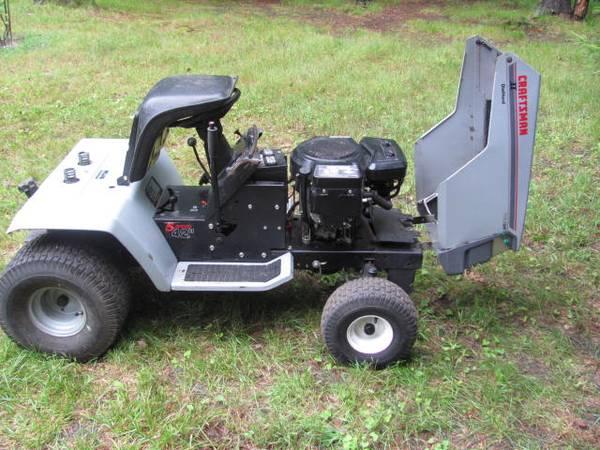 Photo Craftsman Mower 18 HP - $300 (Muskegon)