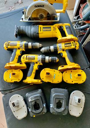 Photo DeWalt Tools set  Drill Press - $145 (Spring Lake)