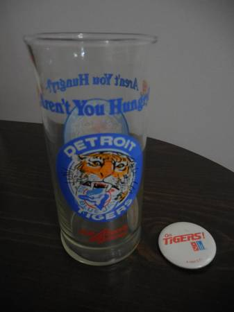 Photo Detroit Tigers quotAren39t You Hungryquot Burger King Glass and quotGo Tigersquot - $10 (Muskegon)