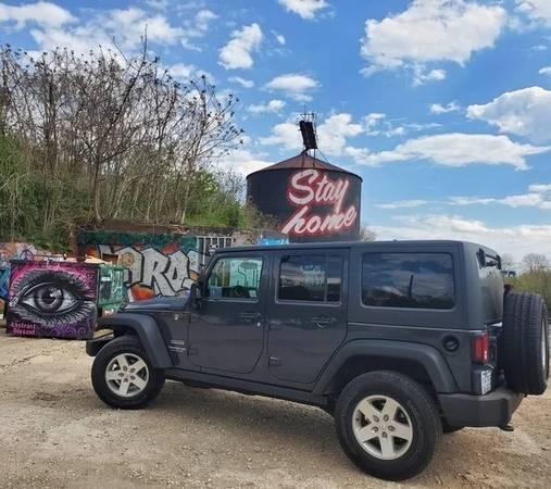 Photo Jeep Wrangler JK Unlimited Rock Slider Rails - $175 (FRUITPORT)
