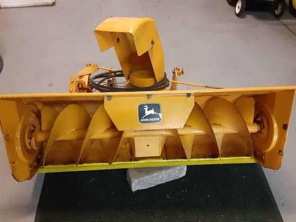 Photo John Deer snowblower - $400 (Grand Haven)