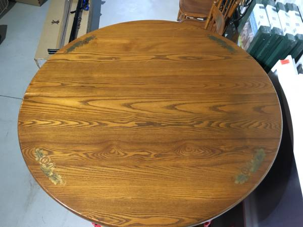 Photo Kitchen Table  Chairs - $375 (Montague)