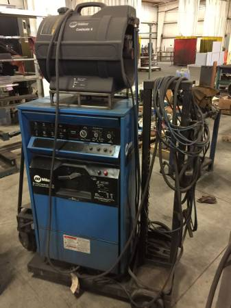 Photo MILLER CP302  SYNCROWAVE 351 TIG WELDING MACHINE - $99,999