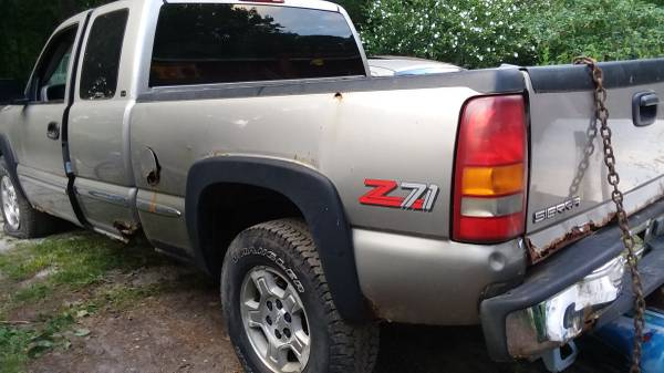 Photo Parting out 99 GMC 1500 - $1,234 (Nunica)