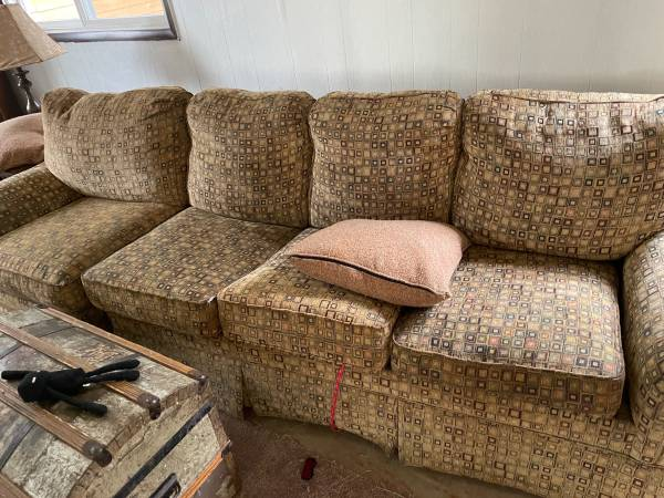 Photo Sectional pieces that make a huge sofasleeper (Montague)
