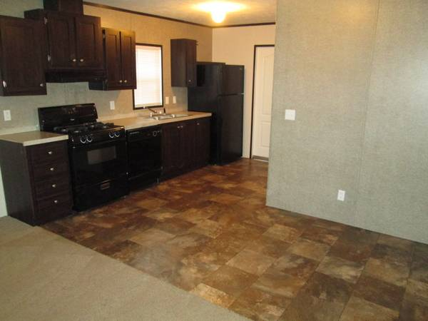 Photo This is a cute 2 bed home for only $969 so apply today (Holland)