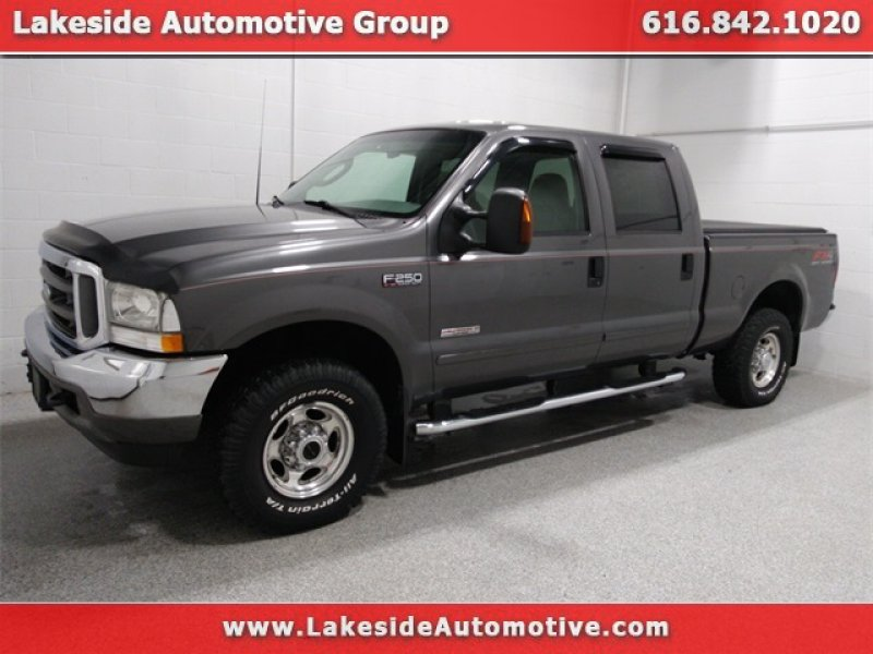 Photo Used 2003 Ford F250 Lariat for sale