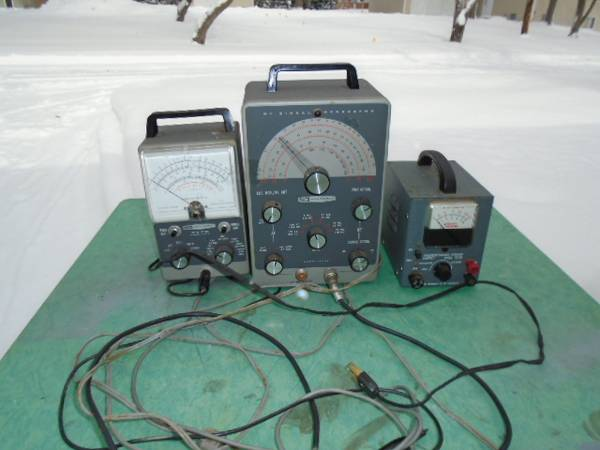 Photo Vintage Electronic test equipment - $75 (Grand Haven)