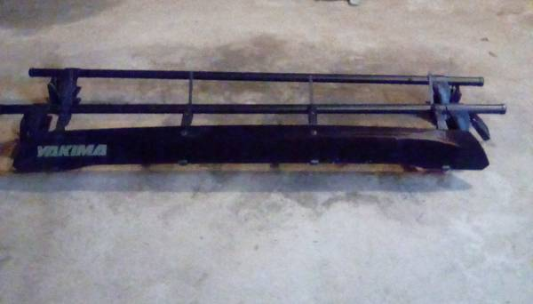 Photo Yakima roof rack - $150 (Fremont)