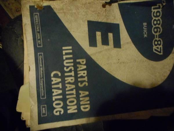 Photo buick book shop 1987 - $10 (muskegon)