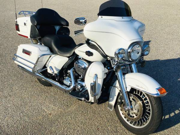 Photo 2013 Harley Davidson Ultra Classic - $14,500 (Little River)