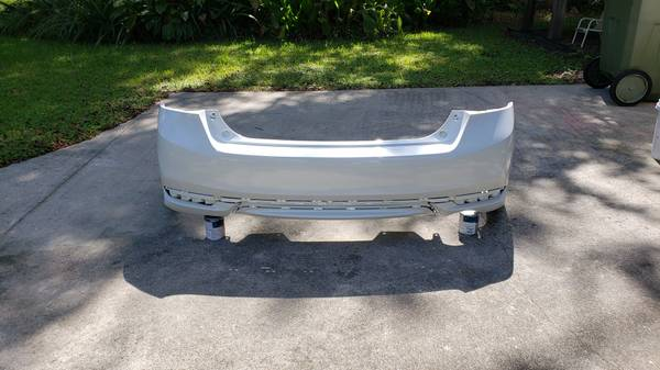 Photo 2017 Honda Accord Rear Bumper Cover - $150 (Surfside beach)