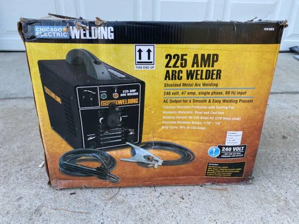 Photo 225 AMP ARC WELDER - $130 (Loris, SC)