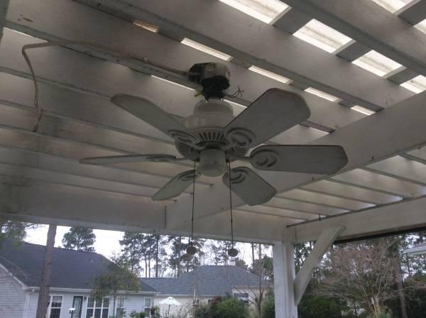 Photo 32 Ceiling fan (Myrtle Beach)