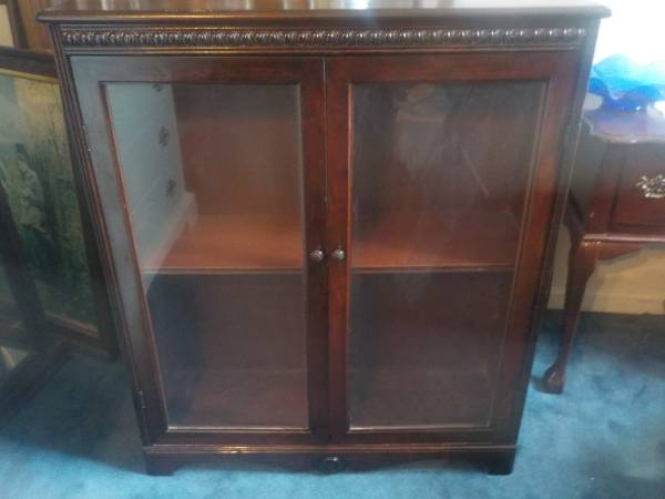 Photo Antique Mahogany Glass Front Book Case - $75 (sumter)