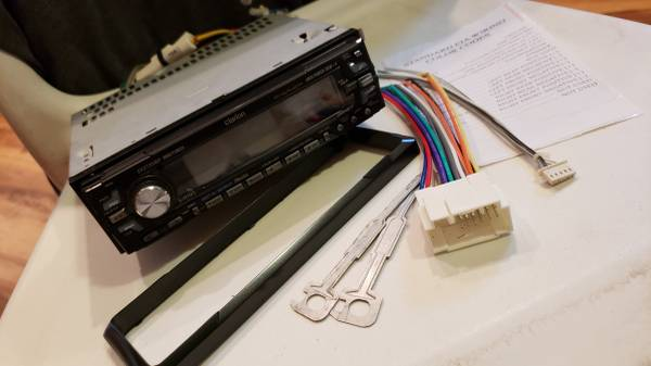 Photo Clarion CDMP3Sirius Car Stereo  70W Amp Bundle - $125 (Myrtle Beach)