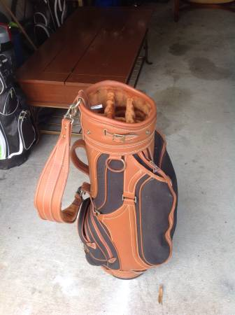 Photo Daiwa leather golf bag - $30 (Myrtle beach)