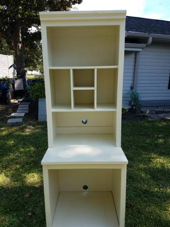 Photo Full Size Bed Headboard with Matching Desk or Storage Unit - $125 (Surfside beach)