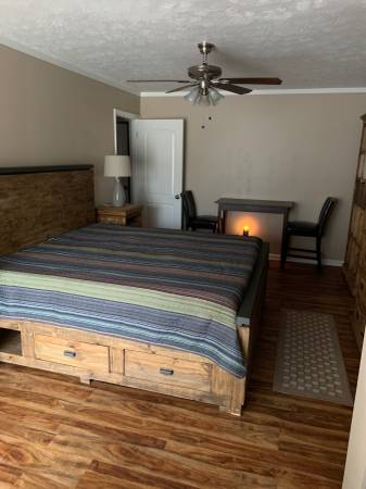 Photo Furnished Master Bedroom Suite in Surfside Beach (Surfside Beach)