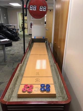 Photo Gamenamics Delaware 10-Foot Premium Shuffleboard Table - $900 (Sunset Beach)