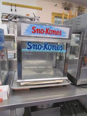 Photo Gold Medal Snow Cone Machine - $600 (CAMDEN)