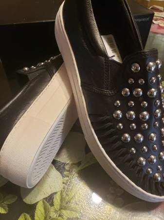 Photo Jslide Shoes - $75 (Windy Hill North Myrtle)