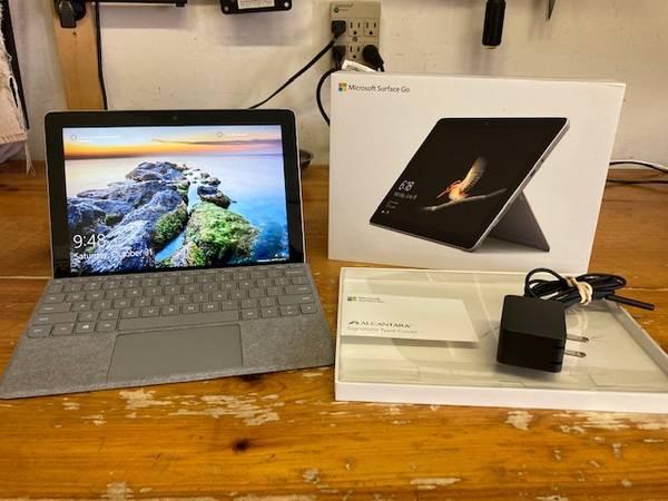 Photo Microsoft Surface Go - Like New Condition - $240 (Carolina Beach)
