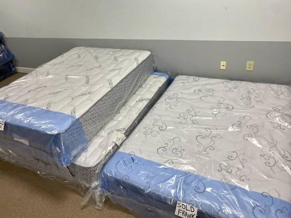 Photo New Bed Sets Delivered Same Day - $5 (Myrtle Beach)