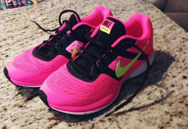 Photo Nike Running Shoes Women39s size 7.5 Like New - $50 (Myrtle Beach)