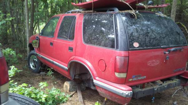 Photo Parting Out 1996 Chevrolet S10 Blazer (Conway)