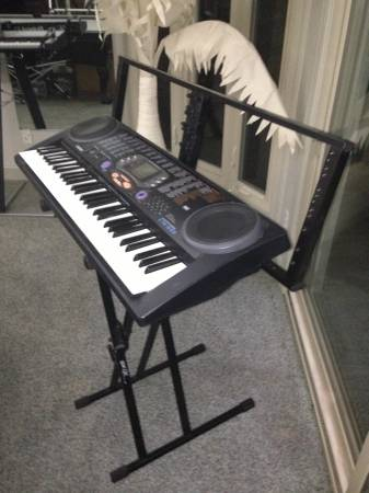 Photo Quicklock Keyboard Stand with Effects Rack - $50 (MYRTLE BEACH)