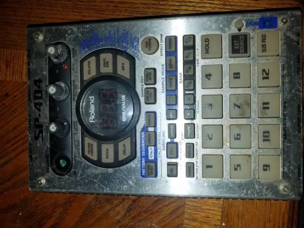Photo Roland SP 404 - $350 (Georgetown)