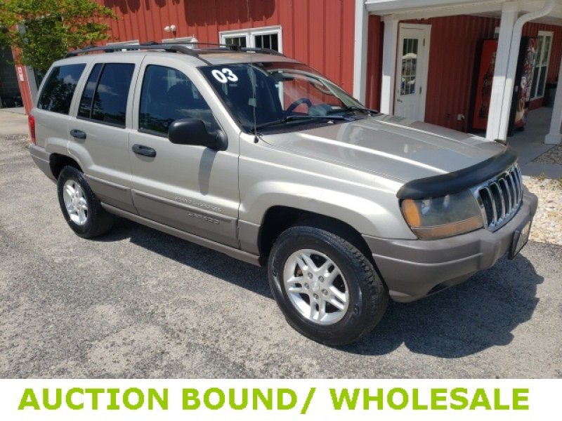 Photo Used 2003 Jeep Grand Cherokee Laredo for sale