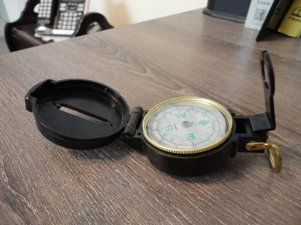 Photo Vintage Engineer Lensatic Directional Compass - $10 (Surfside Beach)