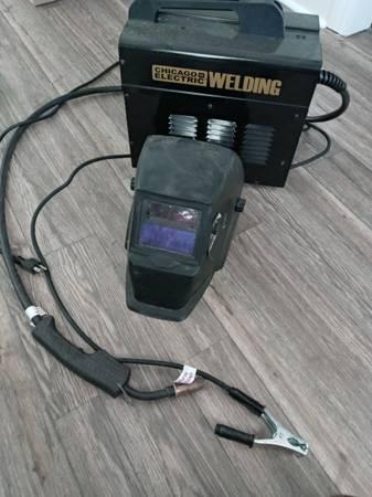Photo Welding machine and welding helmet - $80 (Conway)