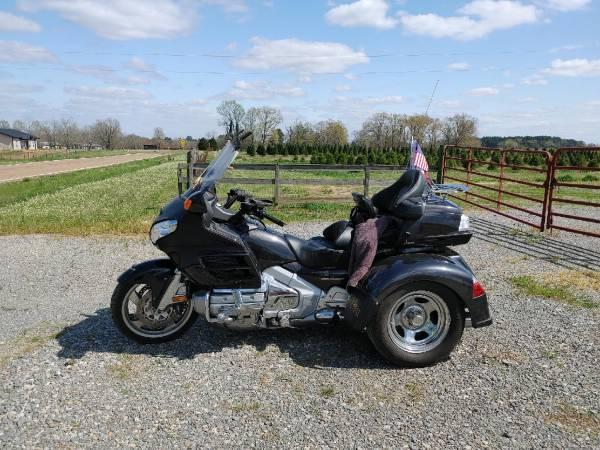 Photo 2007 Honda Goldwing - $17,500 (Beckville)