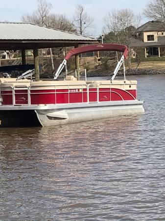 Photo 2015 Bennington pontoon 22SLX 115Yamaha 4stroke 60 hrs trailer - $26500 (bossier city la)