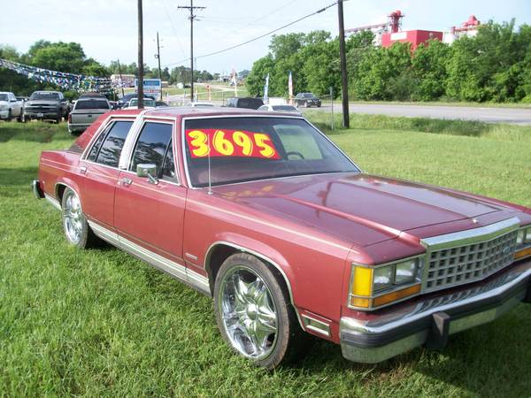 Photo 84 Ford Crown Vic - $3695 (Woodville, TX)