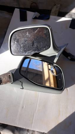 Photo 97 ford mirrors - $25 (Quitman)