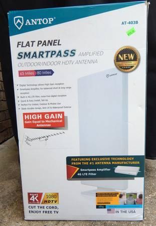Photo ANTOP 4K HDTV Indoor  Outdoor TV Antenna 65-80 Miles Reception - $60 (Canton, TX)