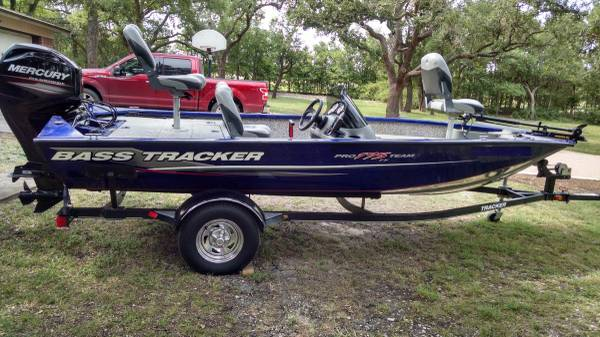 Photo Bass Tracker Pro Team 175 TF - 2015 - With 60HP Mercury - $16,000 (Georgetown)