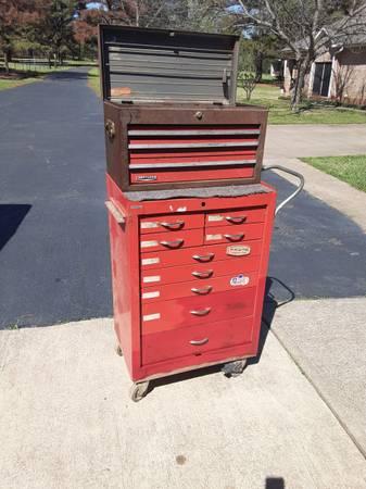 Photo Craftsman 12 drawer tool chest - $150 (Winona)