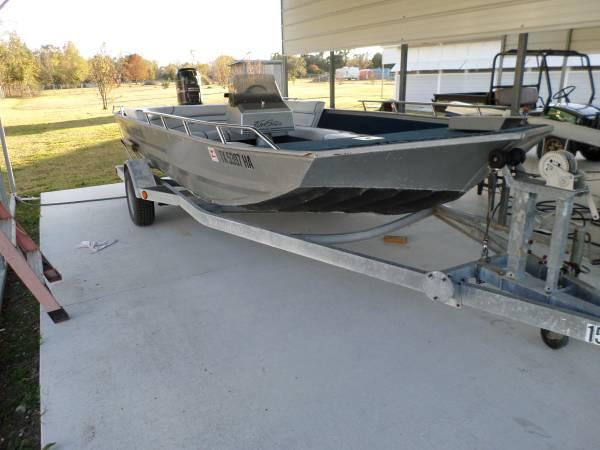Photo Duracraft Aluminum 1872 Funster Boat - $5,400 (Bridge City TX)